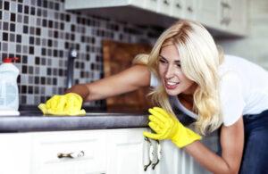 hero-female-deep-cleaning-a-kitchen-1_jpg-600x390